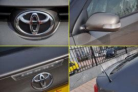 2011款丰田ZELAS杰路驰 2.5L豪华版实拍图解
