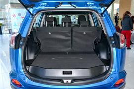 2016款丰田RAV4 荣放 2.0L CVT两驱舒适版
