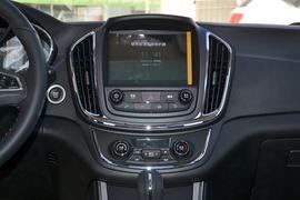 2016款宝骏560 1.8L AMT智能手动豪华型