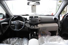 2010款丰田RAV4自动豪华版到店实拍