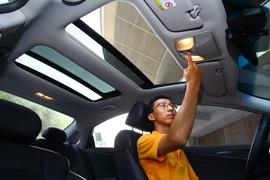 2011款现代索纳塔八 2.0L自动顶级版试驾实拍