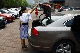 2011款上海大众全新帕萨特1.8T御尊版试驾实拍