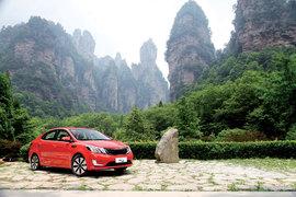 2011款东风悦达起亚K2 1.6 Premium试驾实拍
