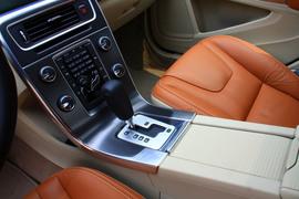 2012款沃尔沃S60 1.6T试驾