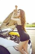 异域风情 气质车模征服白马王子M3