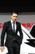 2011广州车展雪铁龙2号男模