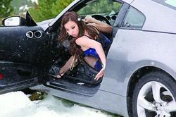 细节最重要 大雪天应该如何正确停放车辆