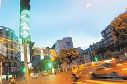 信号灯设置不科学 部分交通信号灯需改善