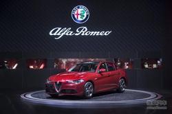 重庆首台阿尔法·罗密欧Giulia新车交付!