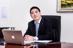 创新BMW X4上市 访临汾宝诚总经理何寅正
