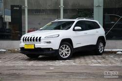Jeep自由光优惠1.8万元 店内有部分现车!