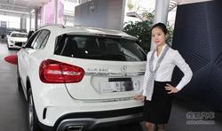 德星奔驰实拍到店新车GLA 友情价28.98万