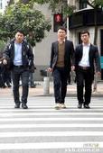 开车过珠江新城要减速 小心中国式过马路