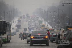 交警发布三节交通提示 绕行商圈规范停车