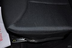 比亚迪F01.0L 炫酷型 爱国版座椅调节图片
