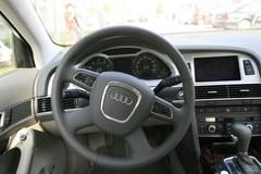 奥迪A6L2.4L 舒适型方向盘图片