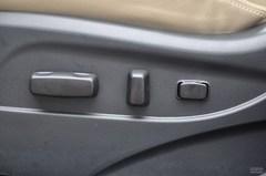 起亚智跑2.4L 自动四驱 Premium座椅调节图片
