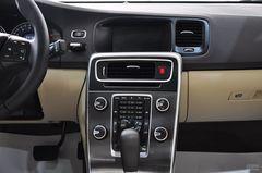 沃尔沃S602.0T 舒适版中控台图片