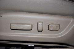 本田雅阁2.4LX座椅调节图片