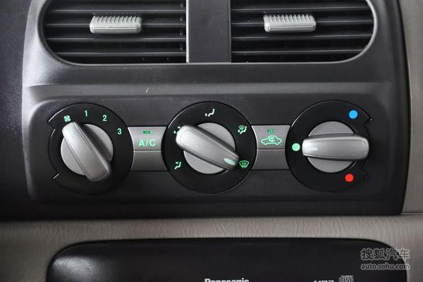 铃木北斗星e+的空调控制面板