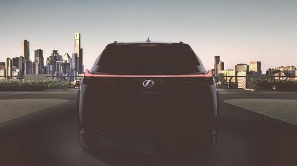 雷克萨斯UX将于3月亮相 定位紧凑型SUV
