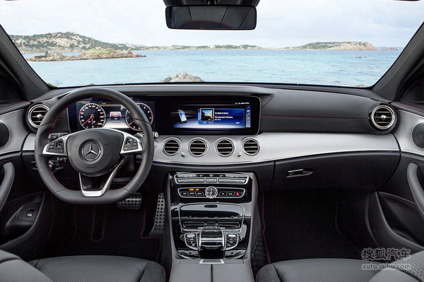 比轿车更优雅 奔驰新E级旅行版全球首发