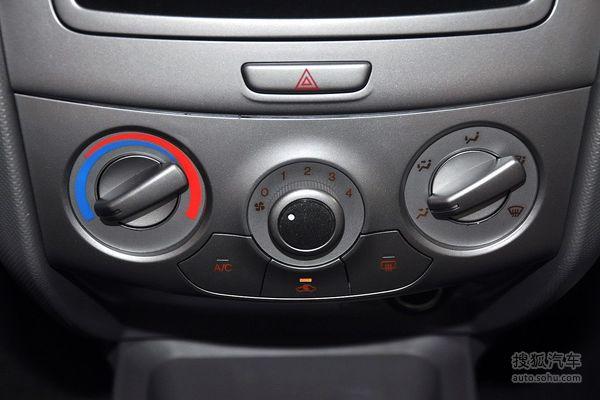 雪佛兰赛欧三厢的空调控制面板