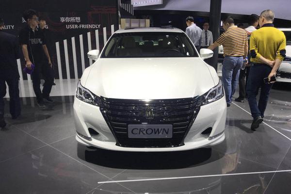 2017广州车展:一汽丰田新皇冠车展首发