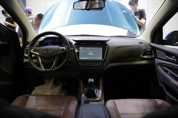 2017上海车展:长安欧尚A800首发亮相