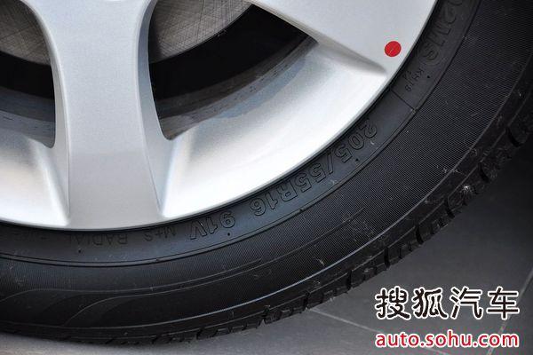 雪佛兰景程的轮胎型号:轮毂材料:铝合金前轮胎规格:205/55 r高清图片