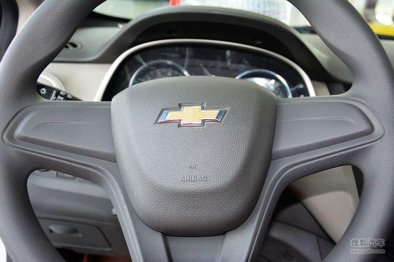 雪佛兰上汽通用赛欧32015款雪佛兰赛欧3 1.3l手动理想(天窗)版