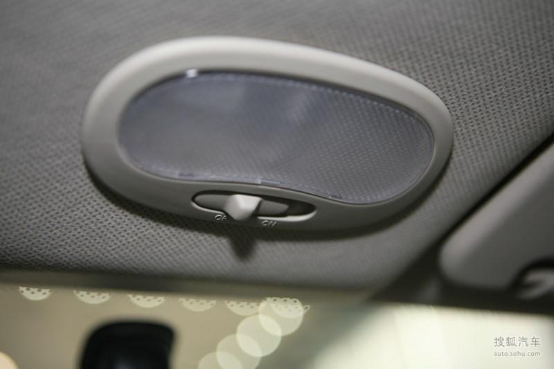 雪佛兰乐风2008款1.4SE AT内饰m533452图片高清图片