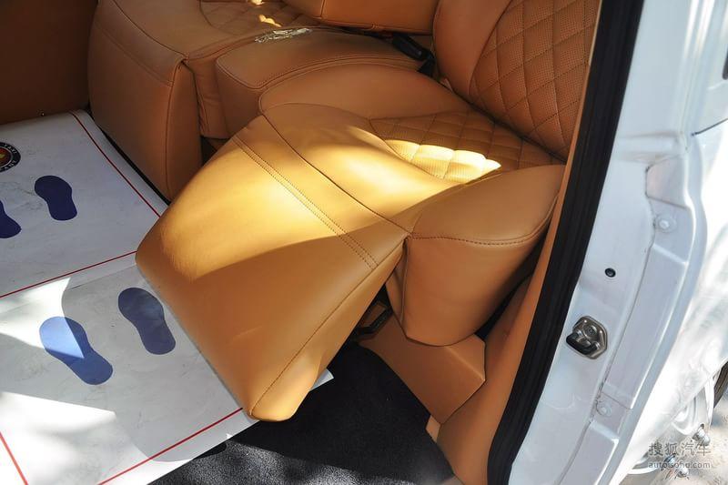 吉利英伦汽车吉利汽车tx42012款英伦汽车tx4 2.4l定制商务型高清图片