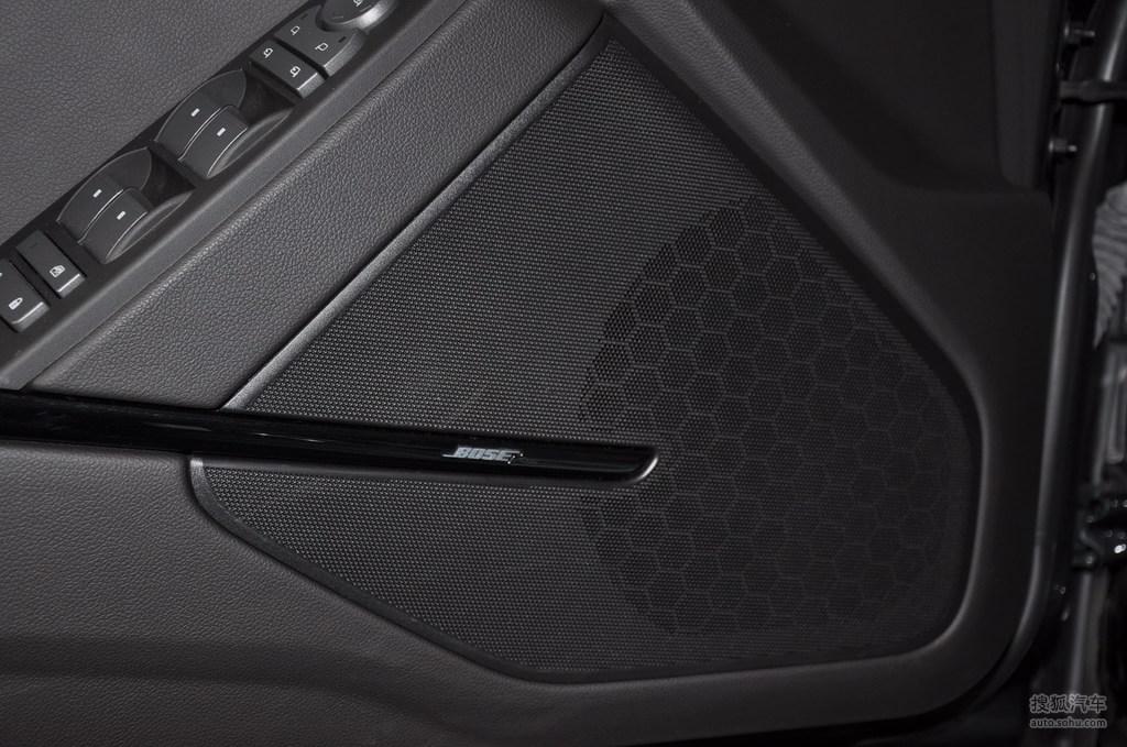 凯迪拉克cts v2009款6.2l高性能豪华轿车内饰深色内饰g高清图片