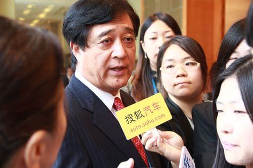 采访三菱汽车工业株式会社社长益子修