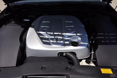 2012款丰田皇冠V6 2.5Royal导航版