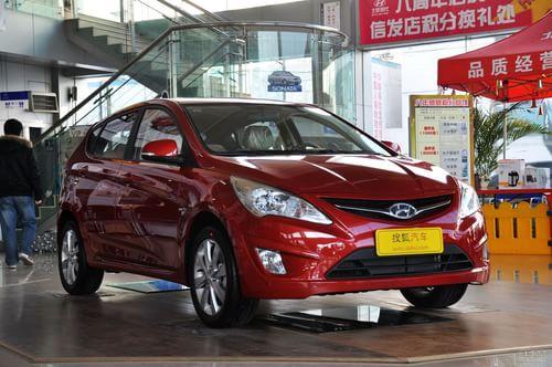 2011款北京现代瑞纳两厢1.4L自动豪华型