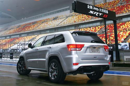 改弦更张 中国汽车画报试驾Jeep大切SRT8 搜狐汽车高清图片