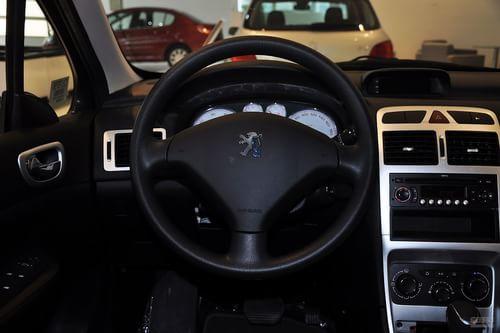 2012款标致307两厢1.6L手自一体舒适版到店实拍