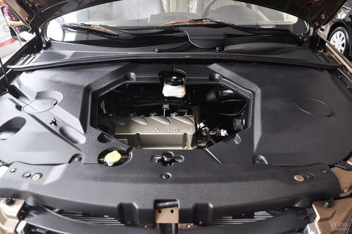 2013款比亚迪S6白金版2.4L手动尊贵型