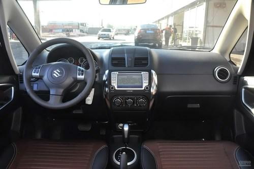 2013款铃木天语SX4酷锐1.6L自动运动型