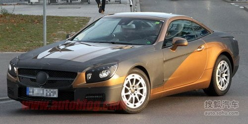 全新奔驰SL路试图泄露 动力或沿用现款车