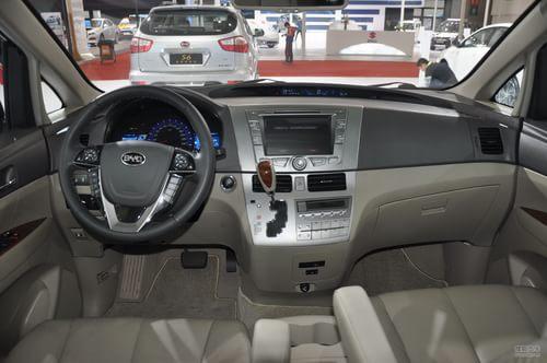 2013款比亚迪M6上海车展实拍