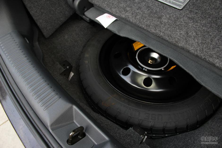 海马普力马 1.8l 自动 尊享版 7座 图片 实拍 底盘 动力 备胎 车款图片 图高清图片