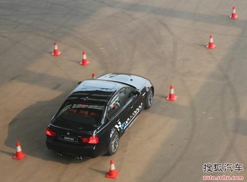 汽车城内,m展厅自筹备以来共举行了m3极速试驾体验会、x5m高清图片