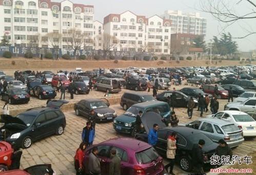 在李村大集二手车交易市场