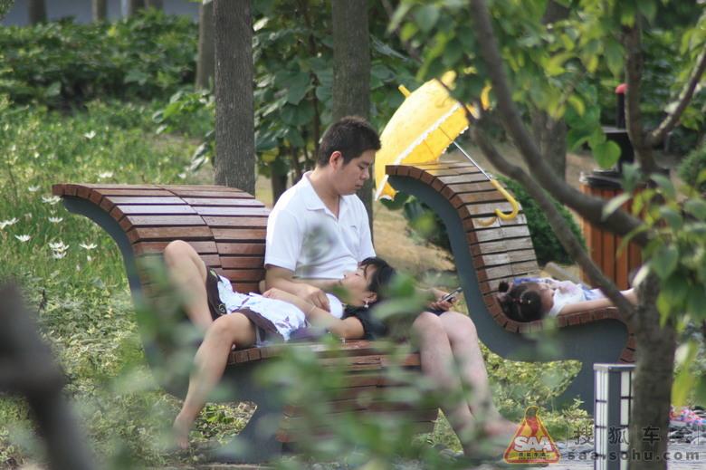 公园偸拍图片_宋婕和千玺公园照_南海大湿地公园 ...