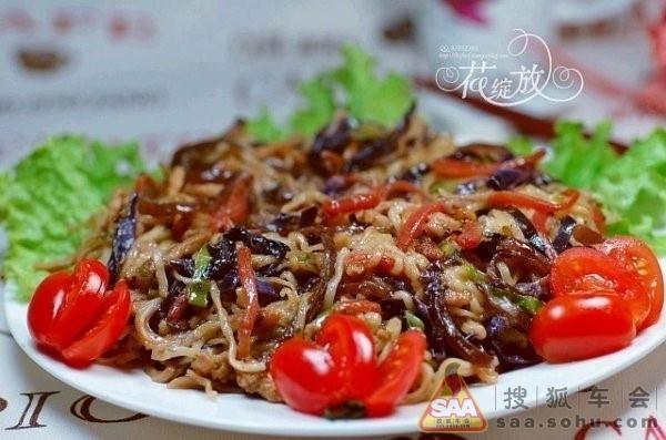 大鱼合唱厦门二中曲谱-烤方便面 原料: 香菇炖鸡方便面一袋、瘦猪肉约半两、包菜约一两、