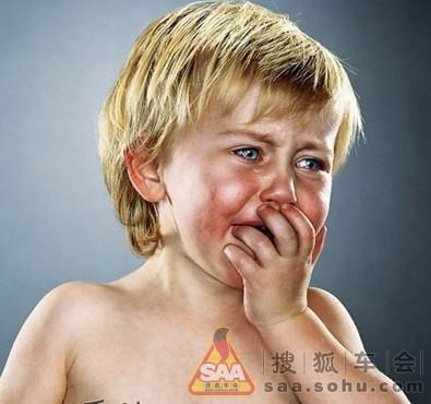 欧美哭泣的小孩绝望头像