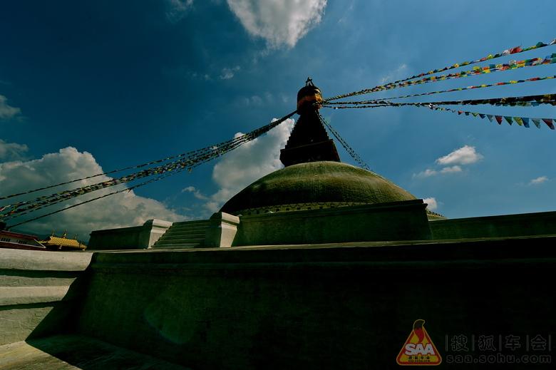 转发〕尼泊尔最大的佛塔-大白塔